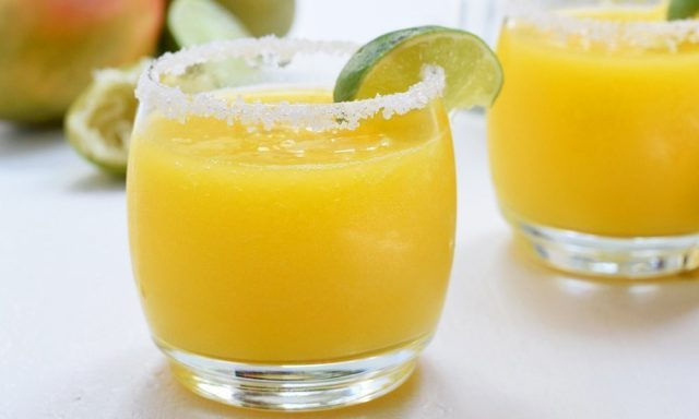 Fresh Mango Lime Margaritas